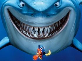 超聪明的食人龙和大白鲨
