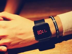 开心小笑话:高科技手表