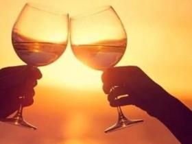 喝酒的幽默句子 关于酒的金句