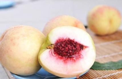 吃桃子削不削皮