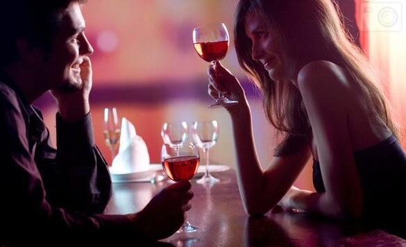 男女约会十个尴尬场面
