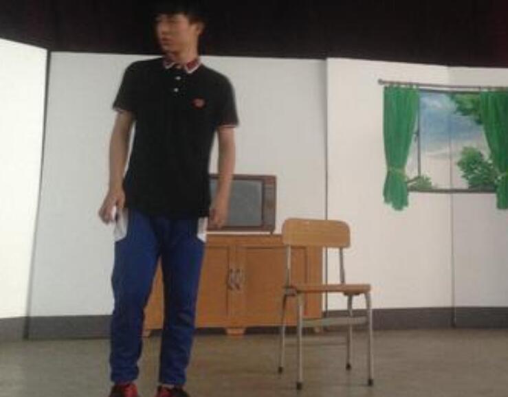 中学生小品剧本 我知道我的未来不是梦