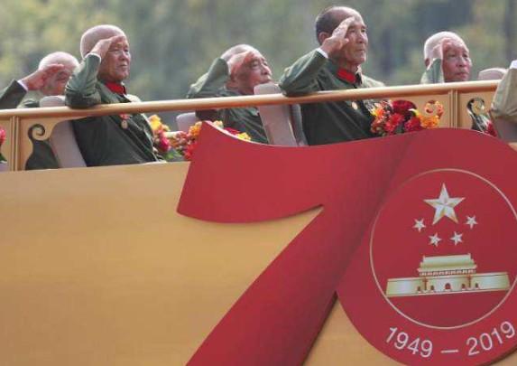 国庆节目剧本 国庆相声 爱国主义的震撼