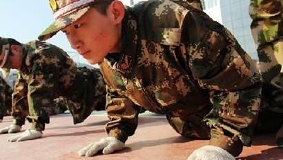军营小品 双簧剧本 新兵的一天