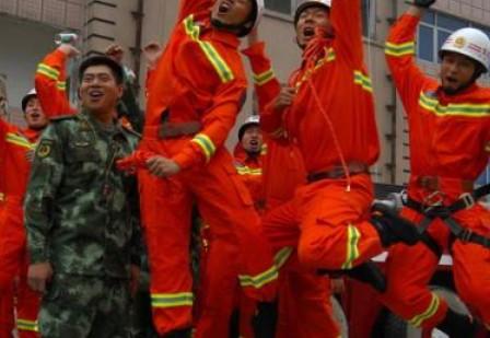 军营小品 多彩的消防兵(三句半)