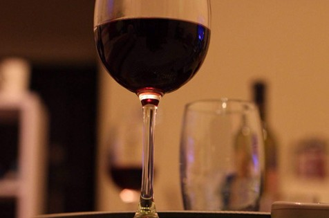 喝酒的幽默句子 关于喝酒的句子霸气
